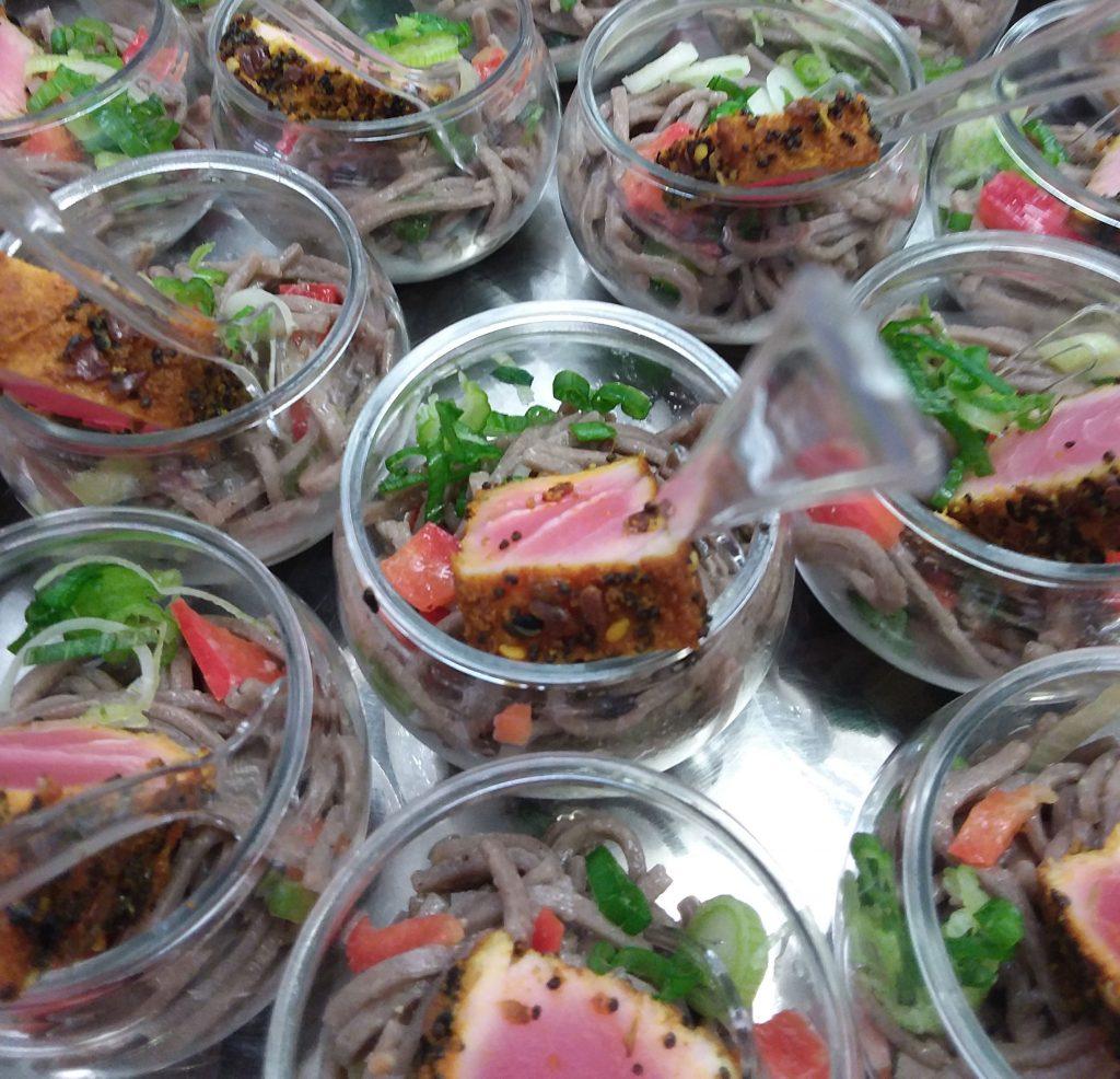 Tataki de thon sur nouilles soba